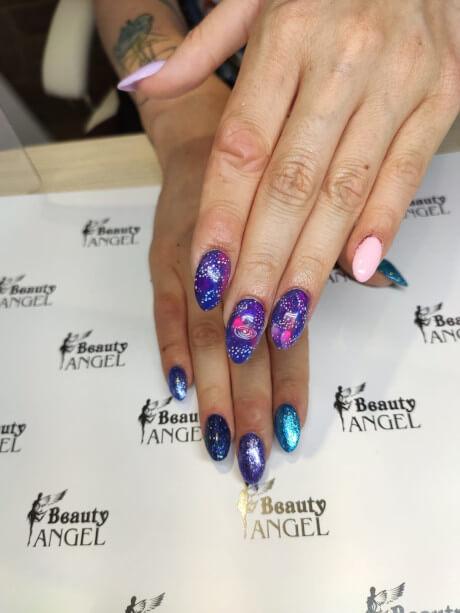 Manicure hybrydowy wsalonie kosmetycznym Beauty Angel wRzeszowie