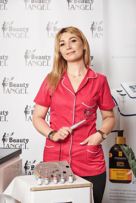 Bogumiła Żołnierczyk jest właścicielką salonu Beauty Angel.